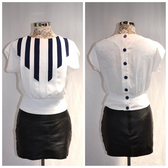 "90's Maritime Navy & White Summer Sweetheart Blouse - Button Back, Cap Sleeves, Adorable Shape - Navy Blue Buttons - Small 26"" Waist"