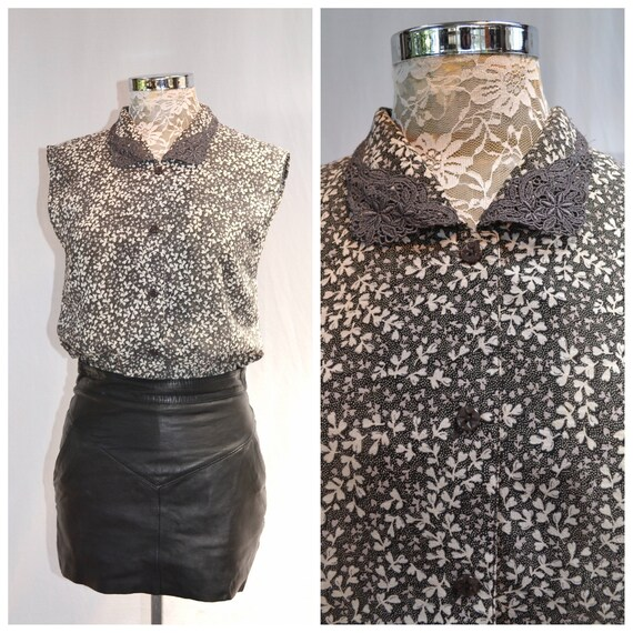 90s Gunmetal Grey & White Mini Floral Sleeveless Blouse w/ Cutest Buttons + Collar Detail. - XS or Small