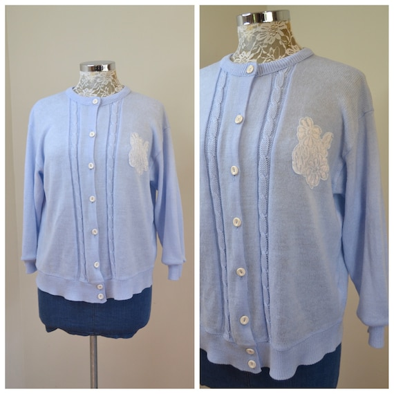 Vintage MOD Cardigan in Baby Blue - Super Soft Cuddly Granny 1960's - Cute White Vintage Buttons & White Flower Patch - Medium