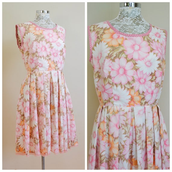 """Handmade Mod 60's Garden Party House Dress - Vintage Hand Made 1960's Pink Floral Fit & Flare - 30"""" Fitted Waist - Large"""