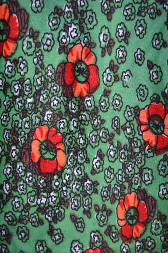 """Groove 60's Stretch Fabric in Candy Apple Green & Orange Abstract Floral Vintage Kitch Arts and Crafts - 54"""" x 60"""" --- 137 cm X 152 cm"""