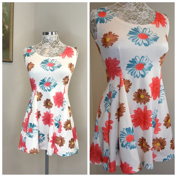 "90's Babydoll Dress in Bold Flowers -Sleeveless Mini Dress, TOO CUTE - XS or Small 25"" - 26""  Waist"