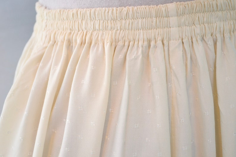 Lux Cream Rayon Med One Size Fits Most Vintage Beautiful Bali Cutwork Lace Detail Elastic Waist Maxi Full Skirt w Pockets Large