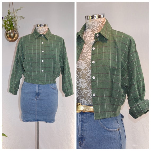 Vintage Crop Flannel in Soft Faded Army Green Plaid. White Contrast ButtonS - Winter Warm Button Up Shirt  - Women's Small
