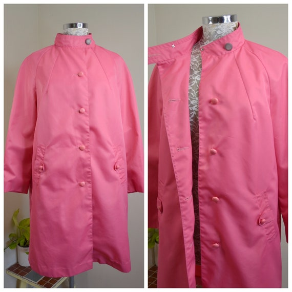 Pink Panther 1960's MOD A-line Raincoat in Brightest HOT Pink. Lightweight Vintage RETRO Overcoat. Medium