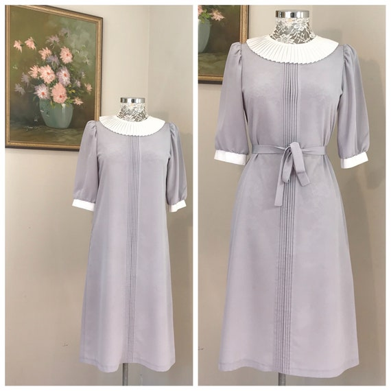 Vintage Minimal Shift Dress in Soft Light Grey - 90's Uniform Plain Shift Made in Melbourne - Round Contrast Collar - Small - AUS 8 - 10
