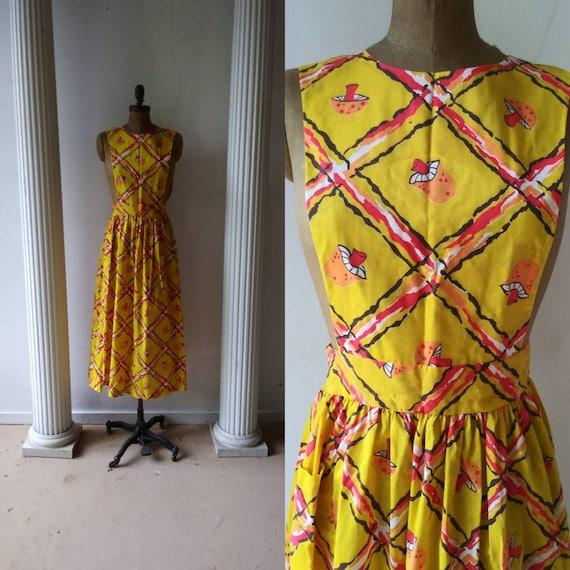Vintage 1970's yellow pinafore / seventies mushroo