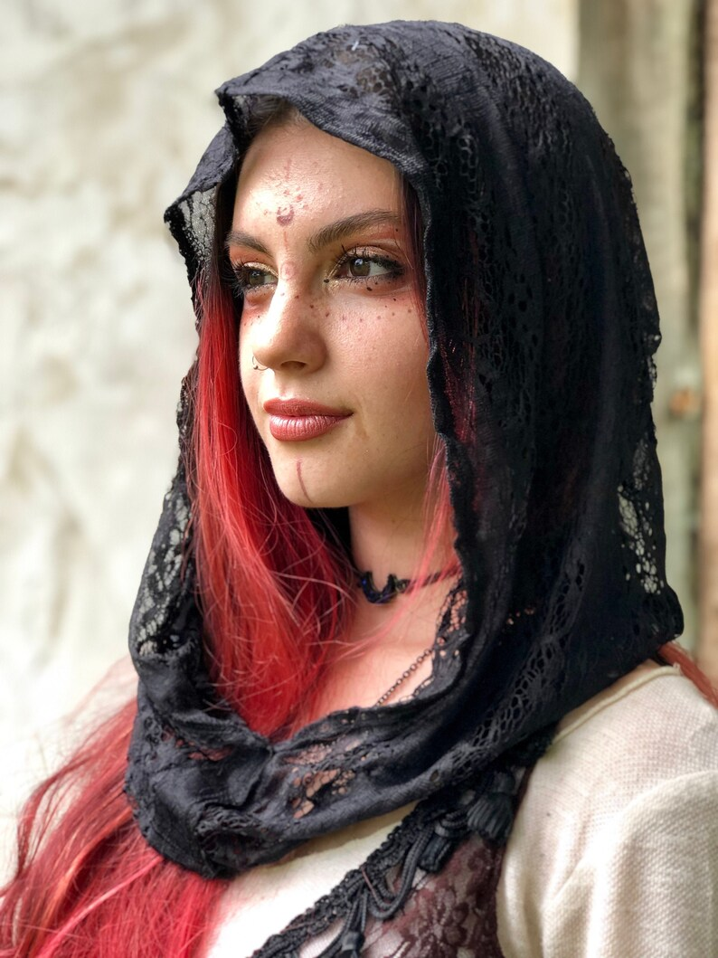 NEW LIMITED EDITION: The Simple Lace Hood in Black Purple or image 0