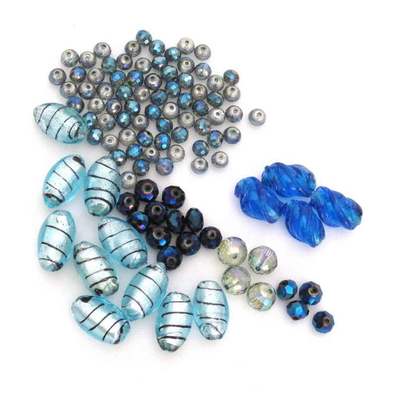Various Sizes 6mm to 14mm  FINAL SALE Foil Lined Mix lot of 102 Blue Beads  Destash Bargain Beads Jewelry Supply  Dark /& Light Blue