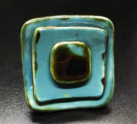 Step by step ceramic ring