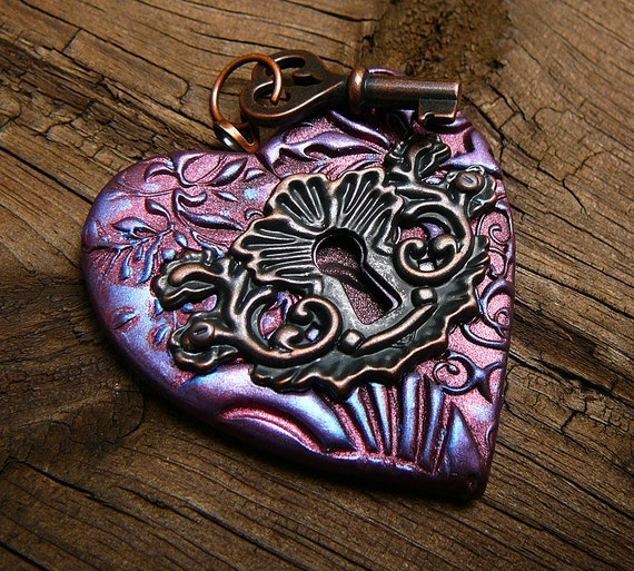 The key to my heart vintage pendant