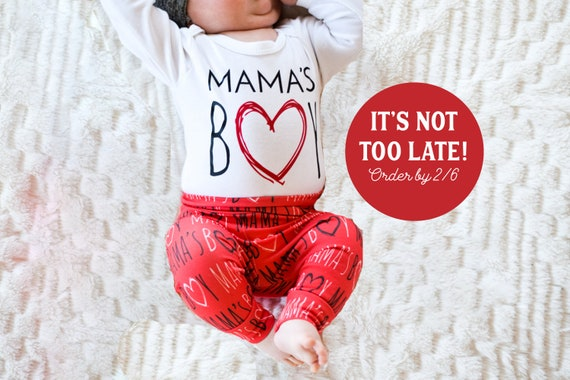 db7f36d51 Baby Boy Valentines Day Outfit. Mama's Boy Shirt. Mother's Day Newborn Boy  Coming Home Outfit, Hospital Outfit. Leggings. 1st Mother's day