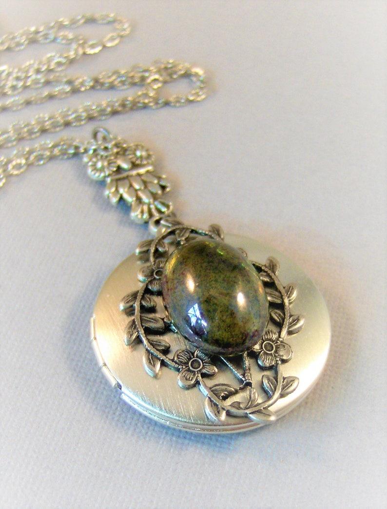 Mystical Forest,Owl,Owl Necklace,Owl Jewelry,Vintage Emerald,Vintage,Green Necklace,Emerald Necklace,Green Locket,Emerald,Goddess Necklace