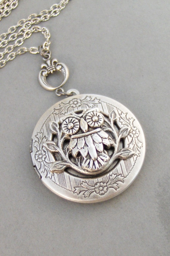 Noctua,Owl,Locket,Silver Locket,Silver Necklace,Owl,Silver,Woodland,Antique Locket. Handmade jewelry by valleygirldesigns.