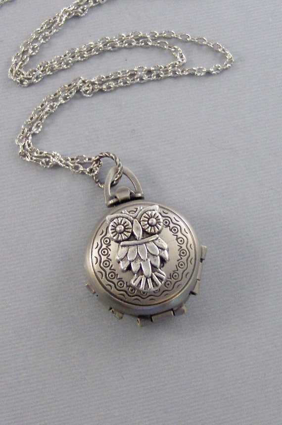 Enchanted Owl,Owl Locket,Owl Necklace,Silver Locket,Silver Necklace,Owl,Silver,Woodland,Antique Locket.Pill Box,Compartme valleygirldesigns.