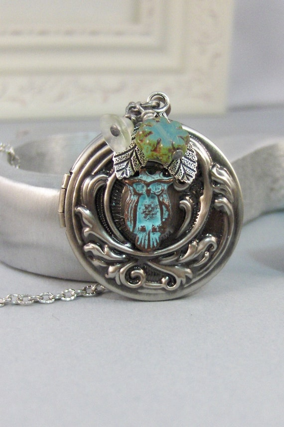 Sage Owl,Owl,Locket,Green Owl,Green Locket,Silver Locket,Silver Necklace,Owl,Woodland,Antique Locket. Handmade jewelry by valleygirldesigns.