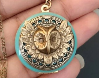 Owl Locket /Tiffany antique style/something blue/Anniversary/Bridesmaid gift/Wedding/Birthday/Sister/Mom/Daughter/Photo Picture/friend.