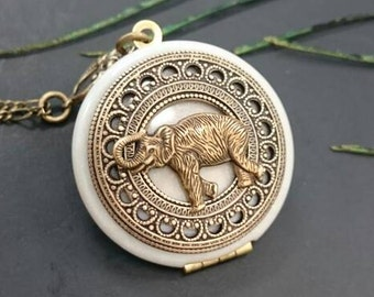 vintage Elephant locket/antique style/something blue/Anniversary/Bridesmaid gift/Wedding/Birthday/Sister/Mom/Daughter/Photo Picture/friend.