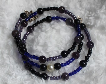 A Pearl in the Night Memory Wire Bracelet