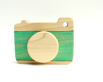 wooden camera toy, pretend camera, waldorf toys, wooden toddler toys, modern toys