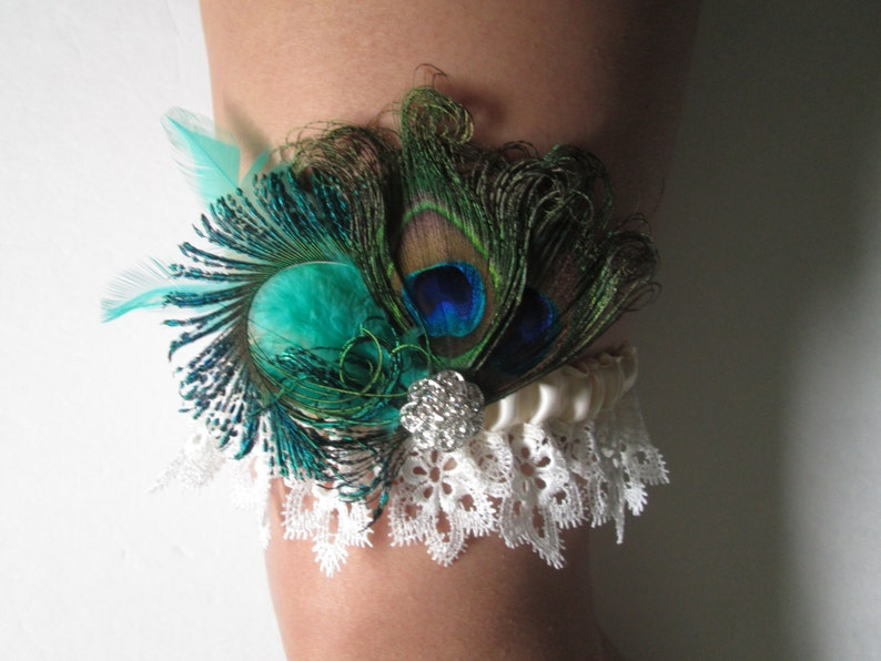 Seafoam Green Garter Venice Lace Garter PEACOCK Wedding Garter Set Fairy Fantasy Wedding Ivory Lace Bridal Garters Teal Garters