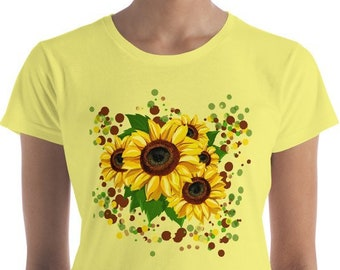 Sunflower T-Shirt Womens Sunflower Top Floral Shirt Hippie Flower Power Botanical Art Gift for Flower Lover Happy Shirt Yellow Flower Ladies