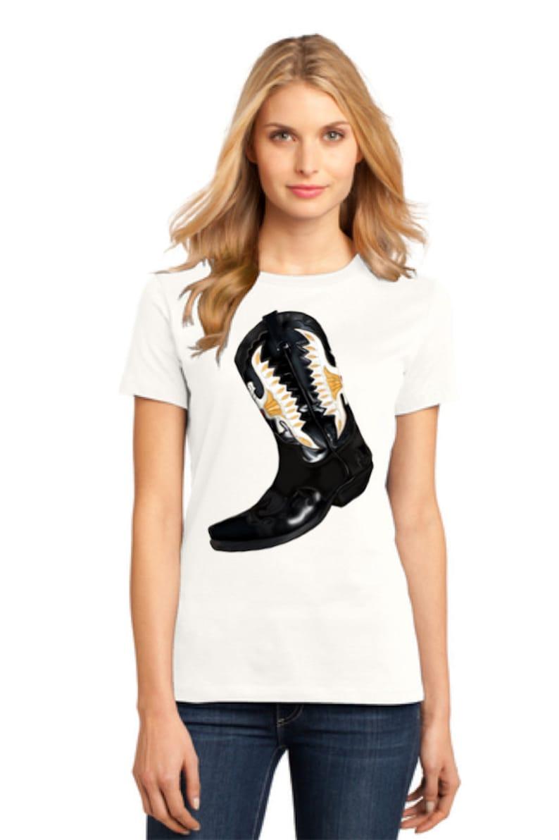 Women's Cowboy Boots Shirt Unique Women's Tee Vintage image 0