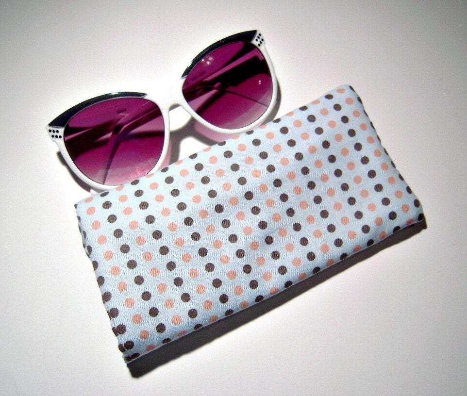 brillenetui blau und pink polka dot etsy. Black Bedroom Furniture Sets. Home Design Ideas