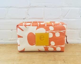 Mango Daisy Thorn Dopp Kit