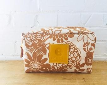 Sienna Wild Garden Dopp Kit