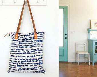 HILARY Mod Tote in royal blue Bark Cloth with Leather Straps
