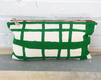 Clutch in Kelly Green Geometric plaid zipper bag