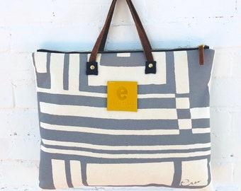 Gray Bold Geo Folder Bag