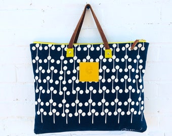 Navy Lolli Pop Folder Bag