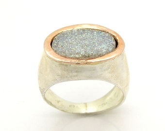 Oval Druzi ring hammered 925 Sterling silver and 9K Gold on top
