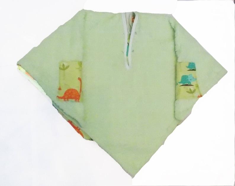 reversible -pockets safe-Blue Orange Green and Blue Dinosaurs TM Car Seat Poncho 4 Kozy Kids add detachable hood /& batting double sided
