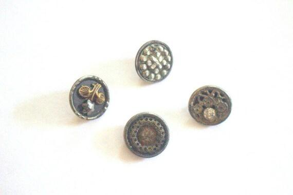 Steel Cut Button