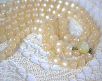 Pearl Moonglow Lucite Strand Vintage Necklace Japan