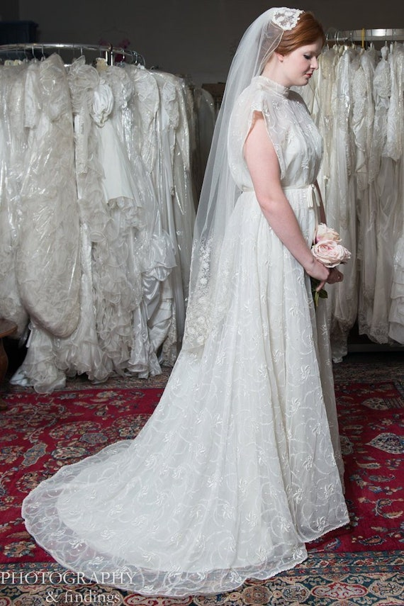 Wedding Gown Vintage Couture Designer Embroidered… - image 2