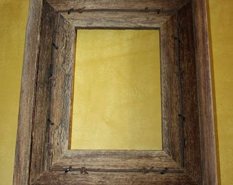 Rustic Barnwood Picture Frame 5 x 7 Fencewood Reclaimed Recycled with Barbed Wire