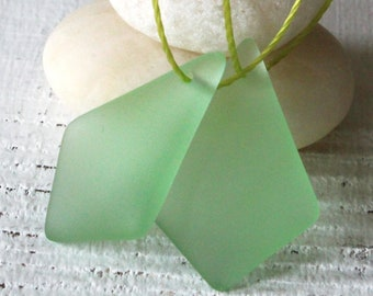 Sea Glass Beads Sea Glass Pendant - Diamond Sea Glass Pendant Beads For Jewelry Making - Frosted Beads -  28mm Peridot
