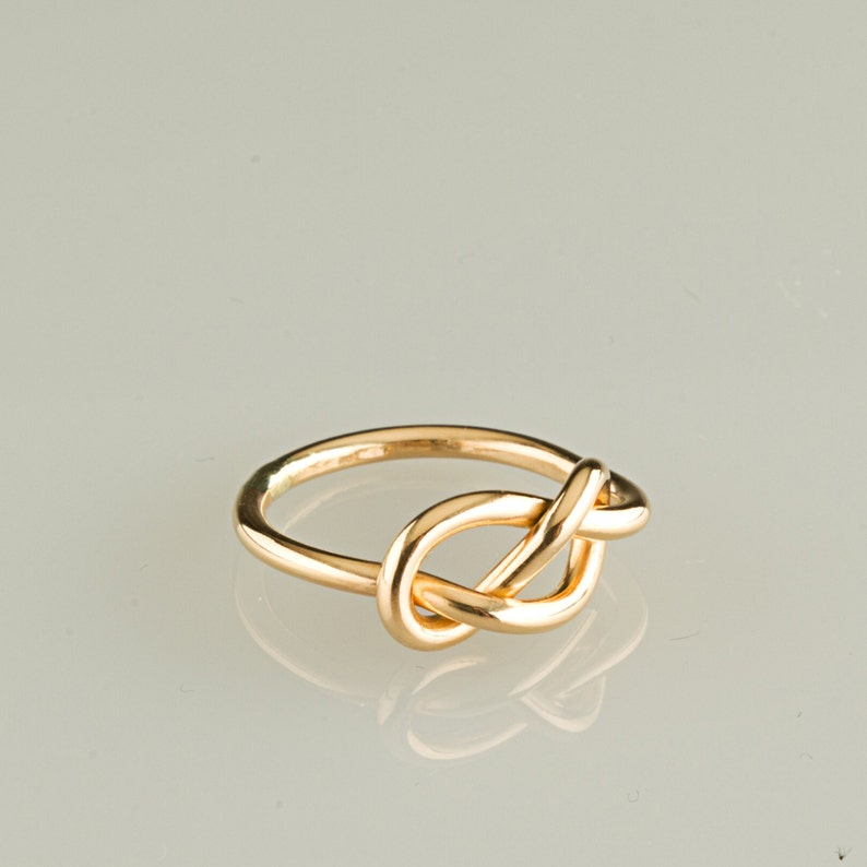 Knoten Precious Metal Without Stones Fine Jewelry Ring; 18 Karat Gold