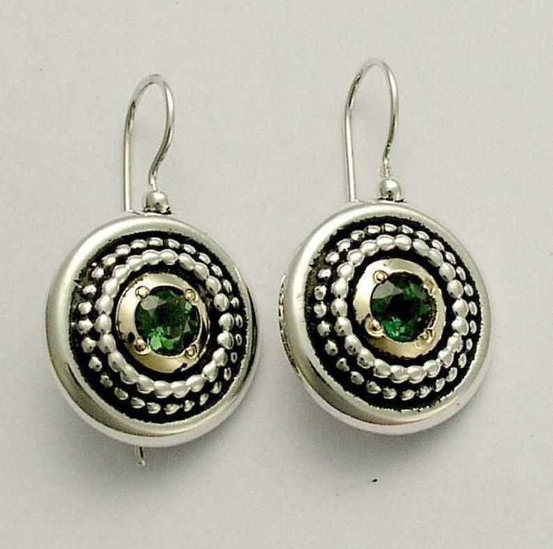 bca775385bb5 Cuarzo verde pendientes dos tonos aretes de plata oro