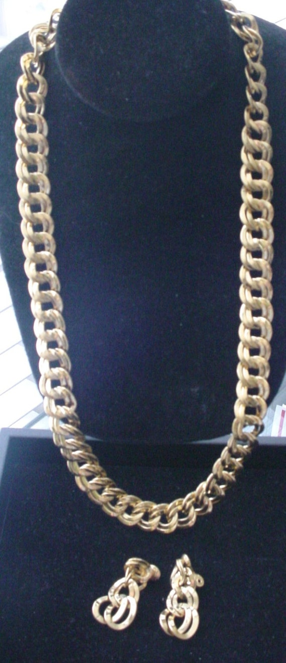 "Vintage Monet Double Link Chain 24"" Necklace and E"