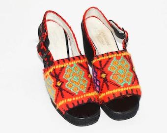 48003a79247 Vintage EDUARD JERROLD PLATFORMS Needlepoint Slingback Wedge Shoes