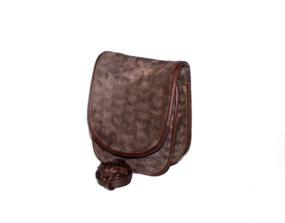df13fa51bd BOTTEGA VENETA Vintage Suede Butterfly Bag Brown Leather Fanny Pack -  AUTHENTIC -