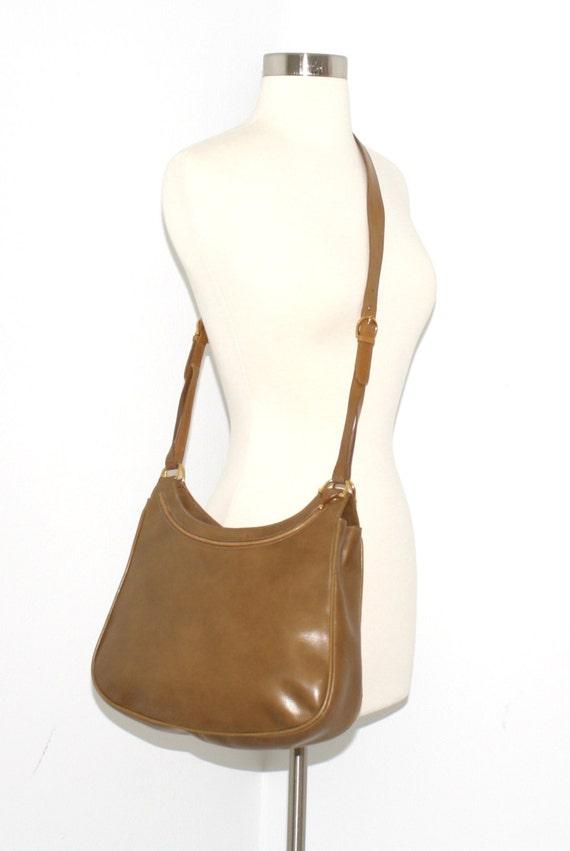 Vintage GUCCI Tote in pelle marrone legno Horsebit Crossbody Bag 520a33b8244