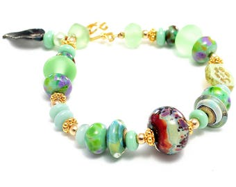 Lampwork Bead Bracelet. Light Green Glass Bead Bracelet. Artisan Flower Bracelet. Mother's Day Birthday Anniversary Gift. Lampwork Jewelry.