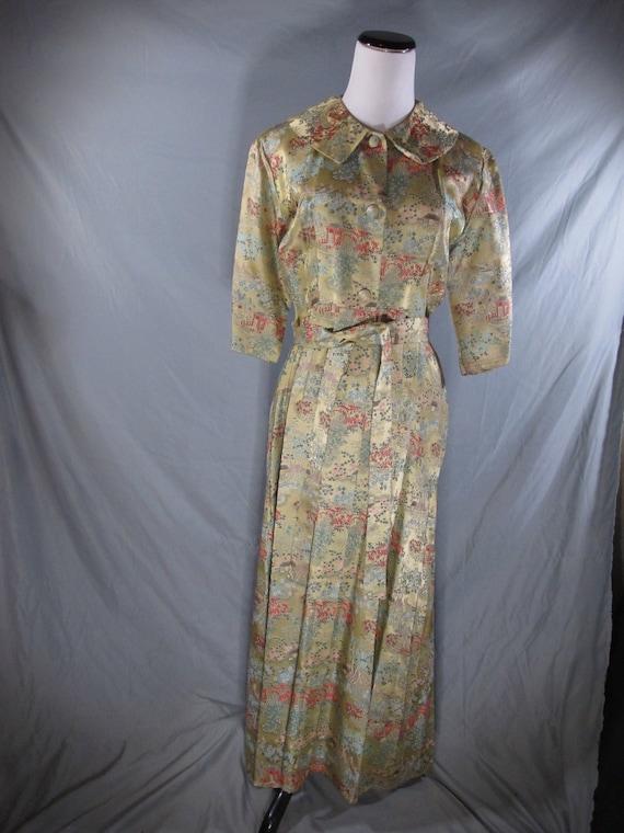 Vintage brocade dressing gown