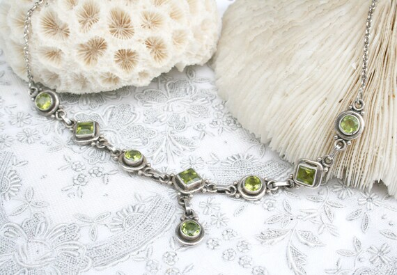 Sterling and peridot necklace. Vintage silver, bri